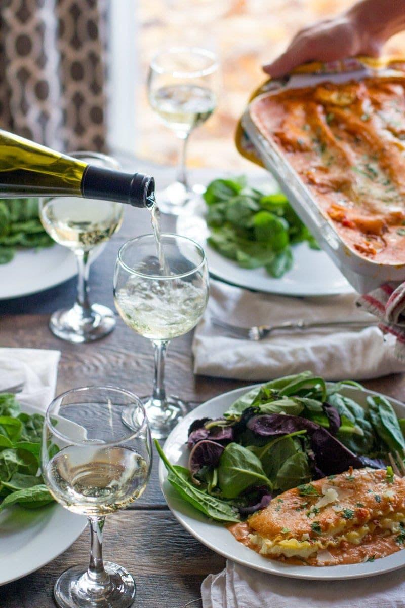 Lasagna Rosa Table