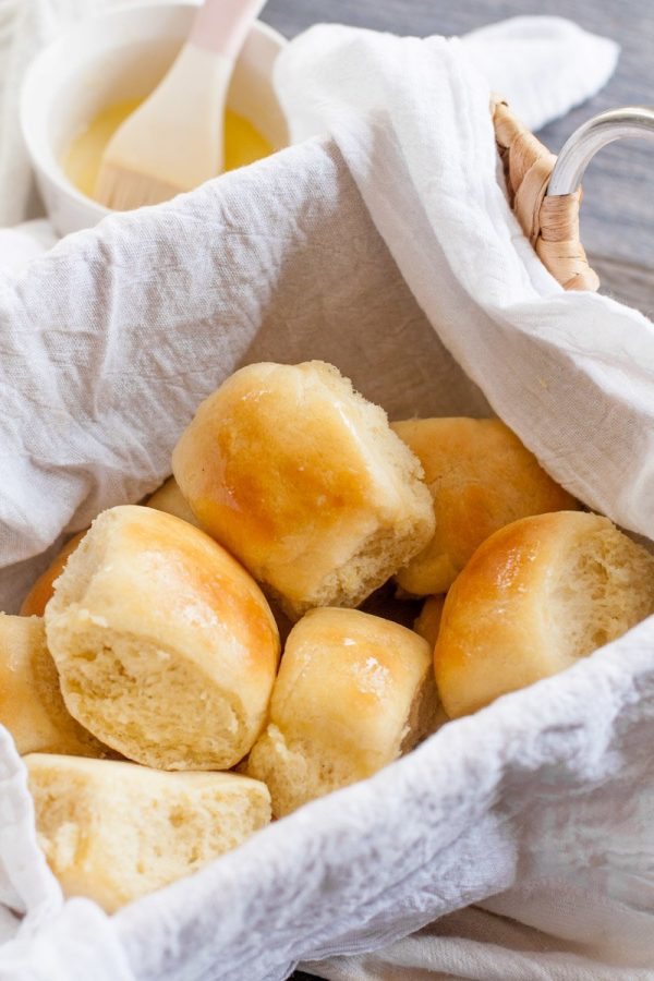 Easy Buttery Yeast Rolls