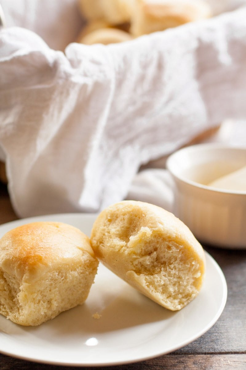 Easy Buttery Yeast Rolls