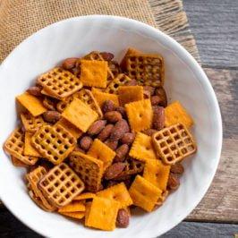 Cheddar Smokehouse Snack Mix