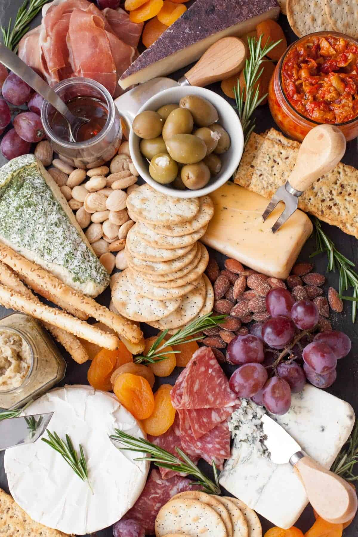 How to Make an Awesome Cheese Board